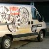 Kisteherautó dekorációja öntapadós fóliával, legyen szállítójárműve figyelemfelkeltő. Mindezt alacsony áron! 3